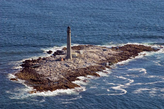 Boon Island Day to Highlight the Lighthouse and Wreck of the Nottingham Galley