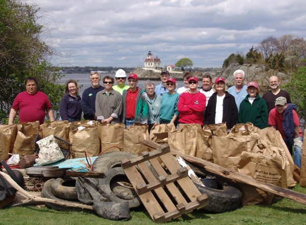 Pomham Rocks Earth Day clean up
