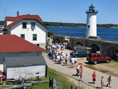 ALF's public access programs are a lot of fun and teach others about the importance of lighthouse preservation.  (Photo by Bob Trapani, Jr.)
