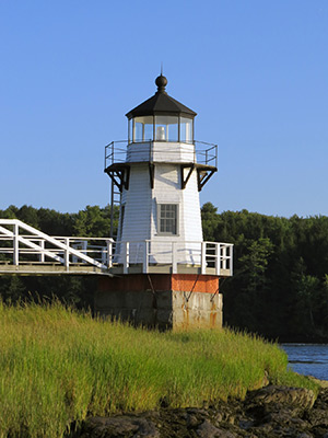 Doubling Point Lighthouse