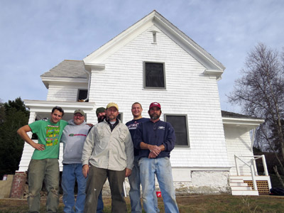 The crew of the J.B. Leslie Company, who spent eight weeks at the island restoring the exterior of the keeper's house. (Photo by Bob Trapani, Jr.)