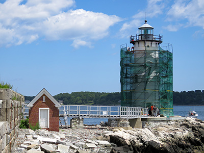 Repainting Portsmouth Harbor Light